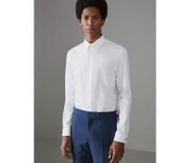 Modern geschnittenes Hemd aus Baumwolle