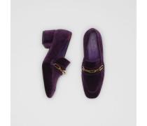 Loafer aus Samt mit Blockabsatz und Kettendetail