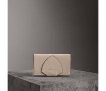 Brieftasche im Kontinentalformat aus Leder in Zweitonoptik