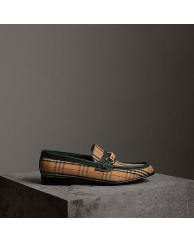 Loafer im Karodesign mit Kettendetail
