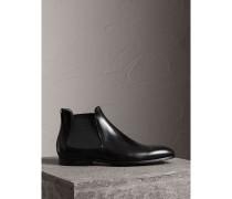 Chelsea-Stiefel aus Leder mit Perforationsdetail