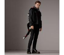 Jacke mit Trichterkragen und packbarer Kapuze