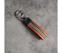 Schlüsselanhänger mit Streifendetail