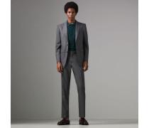 Modern geschnittener Anzug aus Sharkskin-Wolle