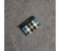 Kartenetui aus Leder mit Schottenmuster