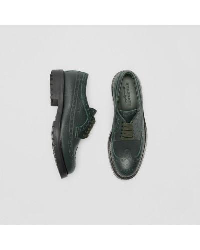 Derby-Schuhe aus genarbtem Leder mit Brogue-Detail