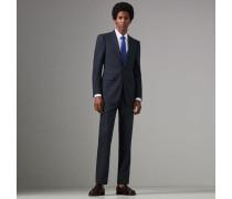 Dreiteiliger Anzug aus Wolle in moderner Passform