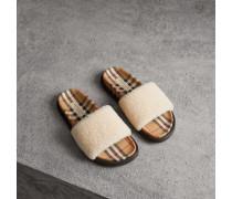 Slides aus Lammfell und Vintage Check-Gewebe