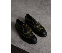 Schnürschuhe aus Leder mit Steppnahtdetails