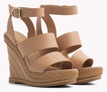 Sandale aus Leder mit Keilabsatz und Riemchen