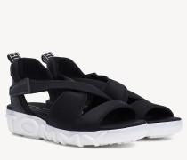 Sandale mit klobiger Sohle