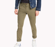 Figurbetonte Chinos in Straight Leg Fit