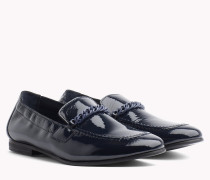Lackleder-Loafer mit Kettendetail