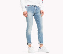 Dynamische Slim Fit Jeans mit Stretch