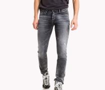 Slim Fit Jeans mit Destroyed-Effekt