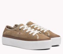 Sneaker aus Wildleder mit Plateau-Sohle