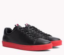 Leder-Sneaker mit kontrastierender Sohle