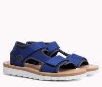 Sandale mit asymmetrischem Riemen