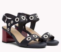 Sandalen mit mittelhohem Absatz und Lochverzierung
