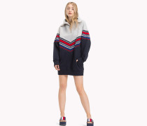 Gigi Hadid Pulloverkleid mit Streifen