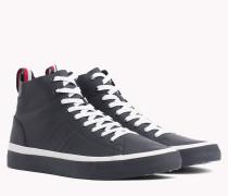 Mid-Top Sneaker