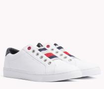 Sneaker mit Stretch-Einsatz und Branding
