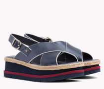 Flatform-Sandale mit überkreuzten Riemen