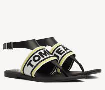 Flache Sandale mit gewebtem Riemen