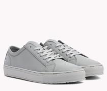 Klassischer Sneaker aus Leder