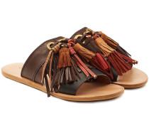 Flache Sandalen aus Leder mit Quasten