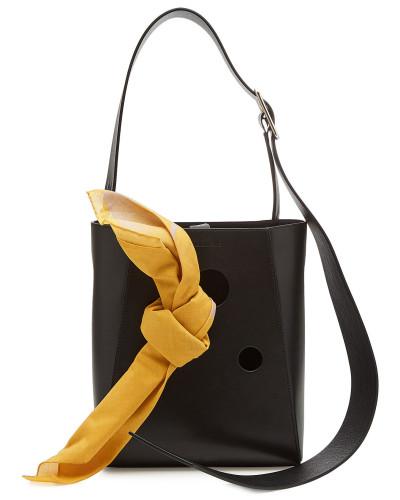 Small Bucket Bag aus Leder mit Tuch