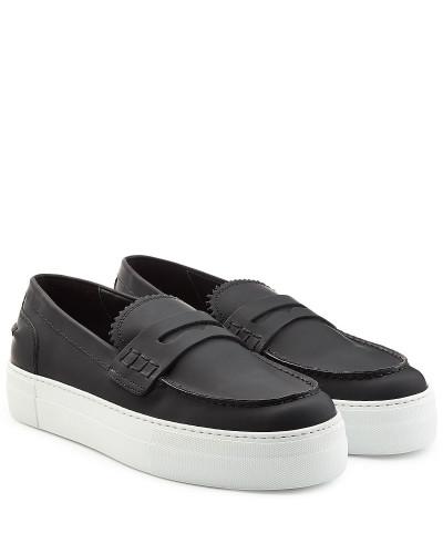 Loafers aus beschichtetem Leder mit Plateausohle