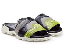 Sandalen im Color Block Look