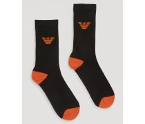 Set Aus Zwei Paar Socken Mit Rippensaum Und Kontrastfarbener Logostickerei