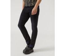 Slim Fit Jeans J06 aus Rinse Denim mit Webkante
