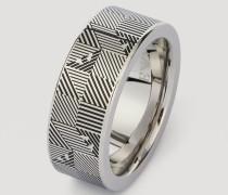Ring aus Stahl mit Grafischer Verzierung