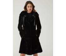 Mantel aus Lammleder mit Astrachan-pelz und Bändern Am Kragen