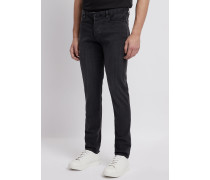 Jeans J11 in Extra Slim Fit aus Komfort-denim