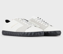 Sneaker aus Leder mit Veloursleder-einsätzen
