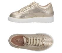 Low Sneakers