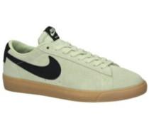 SB Blazer Low GT Skate Shoes olive aura