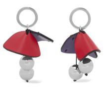 Silberfarbene Ohrringe mit Lederdetails