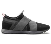 Sneakers aus Material-Mix mit Riemen