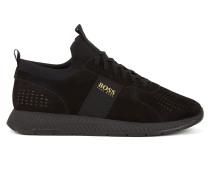 Sportive Sneakers aus perforiertem Nubukleder