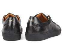 Sneakers aus geprägtem Leder im Tennis-Stil
