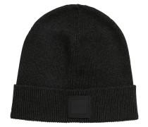 Mütze mit Logo-Aufnäher aus Silikon