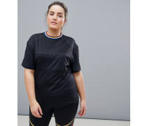 Plus - Sport-T-Shirt mit Netzstoffeinsätzen