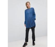 Pullover mit vertikalem Strickmuster
