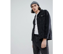Größere Jeansjacke in Schwarz