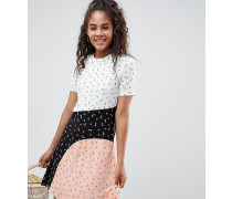 ASOS Tall - Klein gemustertes T-Shirt-Kleid mit Farbblockdesign